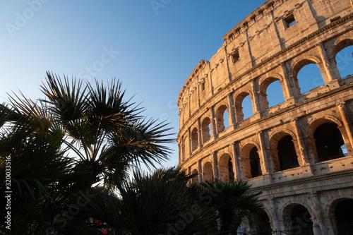 Photo Rome, Italy - Jan 2, 2020: Colosseum, Rome, Italy