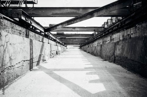 Foto Passage At Shipyard