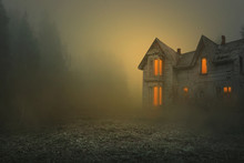 Foggy And Creepy Old House, Ph...