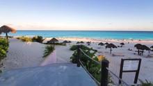 Cancun, Playa Delfines (Dolphi...