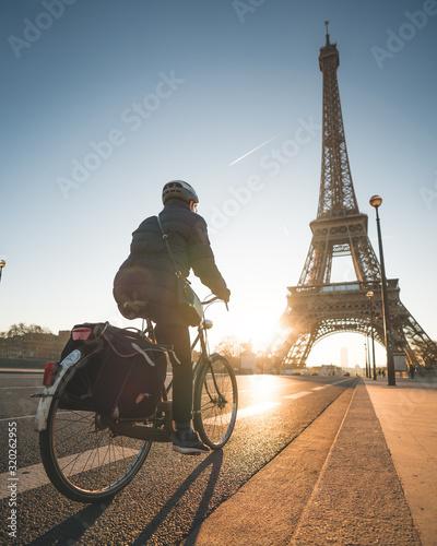 vélo paris tour eiffel Wall mural