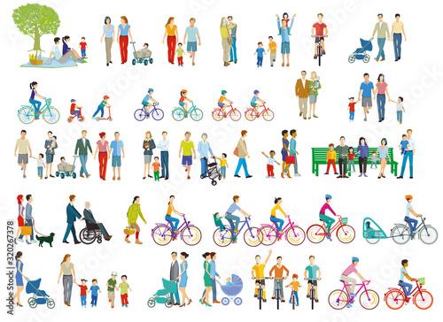 fröhliche Eltern und Familien in der Freizeit