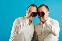 Unrecognizable Twin Brothers W...