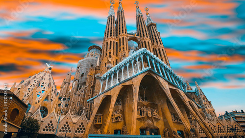 Sunset at Sagrada Familia basilica in Barcelona Canvas Print
