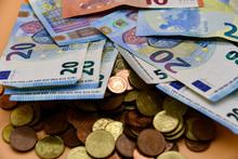 Mixed Euro Notes And Mixed Cen...