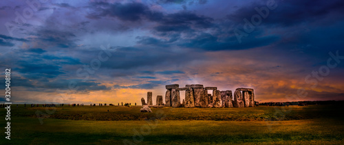 Stampa su Tela Dramatic skies at the Iconic Stonehenge Landmark in England