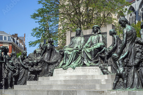 Photo Monument in honour of the Van Eyck brothers, Jan and Hubert, painters of the Ghe