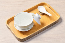 Chinese Traditional Medical Products Bird's Nest Soup On White Bowl
