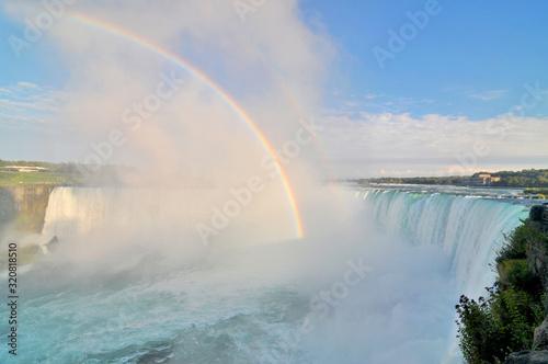 Fototapeta Niagara – wodospad na rzece Niagara, na granicy Kanady, prowincja Ontario i USA, stan Nowy Jork.  obraz