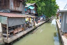 Luang, Rivière Très Sale Dans Le Centre De Bangkok, Thaïlande