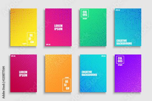 Kolekcja kreatywnych kolorowych modnych pasiastych plakatów, szablonów, plakatów, broszur, banerów, tła, ulotek itp. Jasne gradientowe okładki na Twoje pomysły. Geometryczny projekt cyfrowy