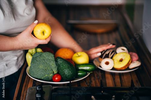 Choosing healthy eating Slika na platnu