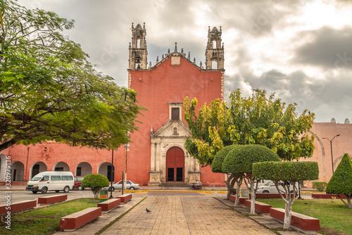 San Juan Bautista Church In Motul Yucatan Mexico Canvas Print