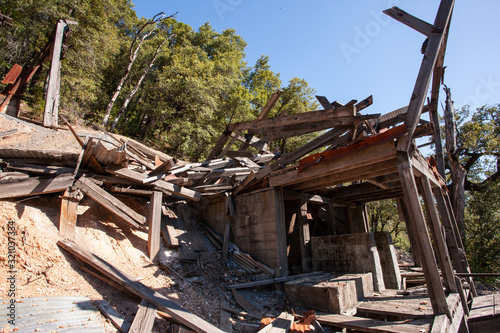 Photo Abandoned copper mine in Northern California named Afterthought Mine (1875-1952)