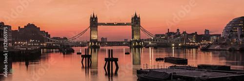 londyn-uk-panorama-tower-bridge