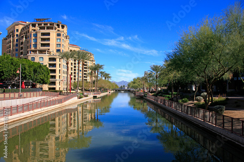Foto Apartments along the Arizona Canal in Scottsdale AZ