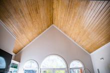 Pine Wood Plank Vaulted Ceilin...