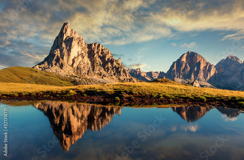 Fotografie, Obraz Scenic image of mountains during sunset