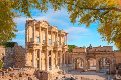 Photo Celsus Library in Ephesus  Turkey