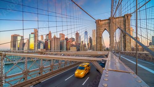 Obraz taxi  brooklyn-bridge-in-new-york-city-usa