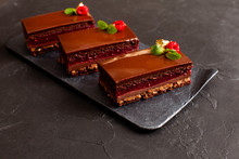 Plate With 3 Pieces Of Chocola...