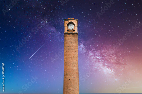 Photo Old Clock Tower in Adana, city of Turkey