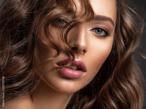 Fotografie, Obraz Beautiful woman with brown hair