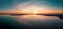Reflet Dun Coucher De Soleil En Panorama