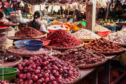 Fototapeta Food Market at Pyin Oo Lwin, Maymyo, Shan State of Myanmar, former Burma. obraz