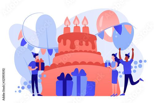 Szczęśliwi ludzie z prezentami z okazji urodzin na ogromny tort. Zaopatrzenie urodzinowe, zaproszenia na przyjęcie urodzinowe, koncepcja planowania urodzin. Różowawego koralowego bluevector odosobniona ilustracja