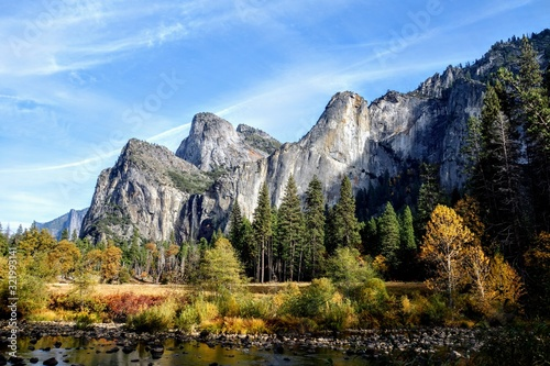 Mountain range - Yosemite National Park