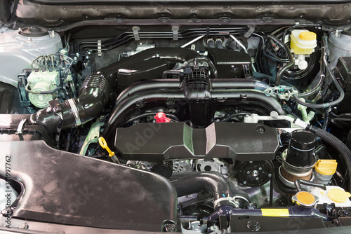 Fotografía Details of new car engine and attachments