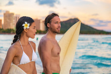 Hawaii Beach Couple Tourists S...