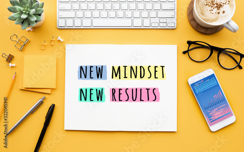 Obraz New mindset new results concepts with text on notepad on desk. positive thinking - fototapety do salonu