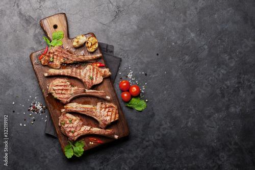 Carta da parati Grilled lamb ribs on cutting board