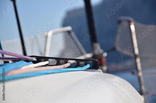 Photo carrucole di rinvio della drizze di una barca a vela