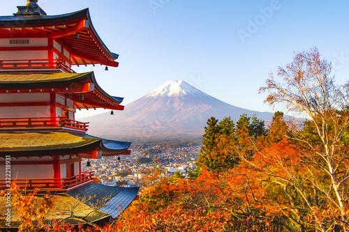 Fototapety, obrazy: Chureito Pagoda with Fuji Mountain Background in Autumn, Japan