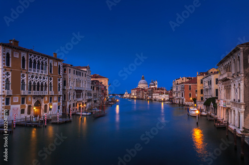 Fototapety, obrazy: Looking down the Grand Canal in Venice at twilight
