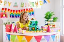 Child Birthday Party. Kids Blo...