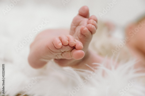 Fototapety, obrazy: Baby feet - cute newborn - happy family moments