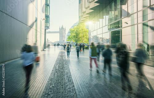 Obraz na płótnie business people, modern buildings and Tower Bridge, London, UK