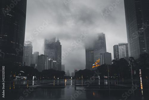 Fényképezés city in a cloudy day