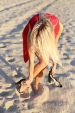 Vertical Photo Of Blonde Takin...