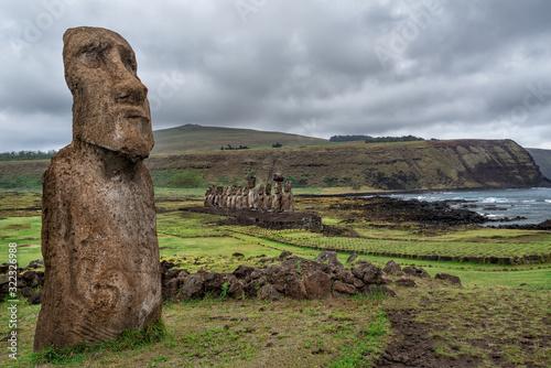 Photo Ahu Tongariki is the largest ahu on Easter Island at sunrise, Chile