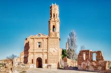 Iglesia En Ruinas De Un Pueblo...