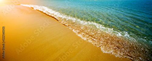 Photo Seacwave and sand. Nature horizontal background.