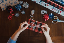 Hands Wrapping Present And Gif...