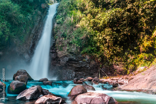 Photo waterfall in turrialba costa rica