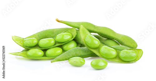 Fototapeta green soy beans isolated on white background obraz