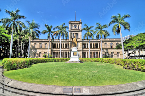 Photo The Iolani Palace -  the royal residence of the rulers of the Kingdom of Hawaii